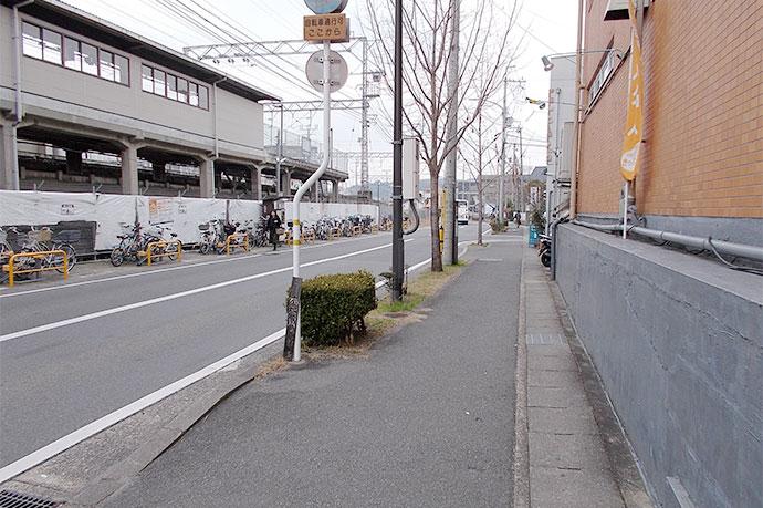 左手に自転車置き場