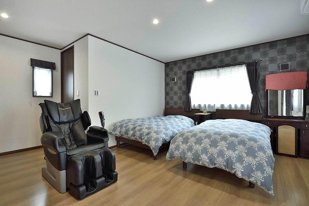 広々とした主寝室には、 8 2畳分のウォークインクローゼットを完備。