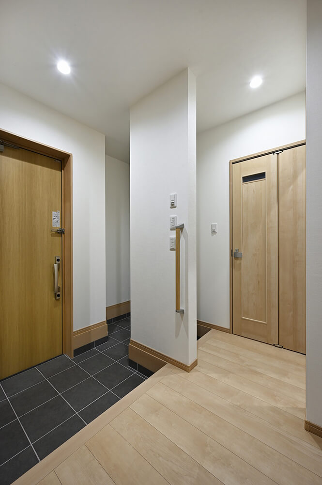 玄関からトイレ、お風呂まで一直線。お子様が汚れて帰ってきても便利な動線。